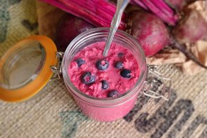Overnight Oats with Beetroot and Blueberries